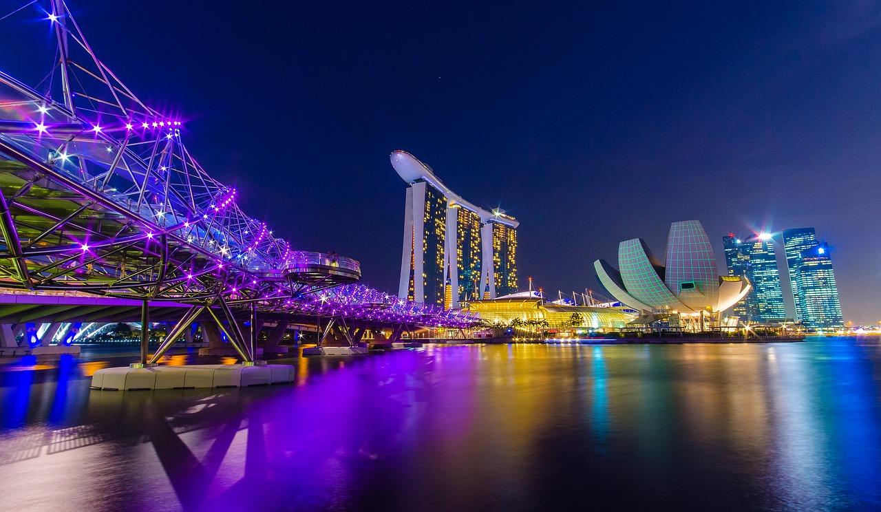 シンガポール中央銀行が8つの取引所に警告!ICOには発行の取り止めを命令!